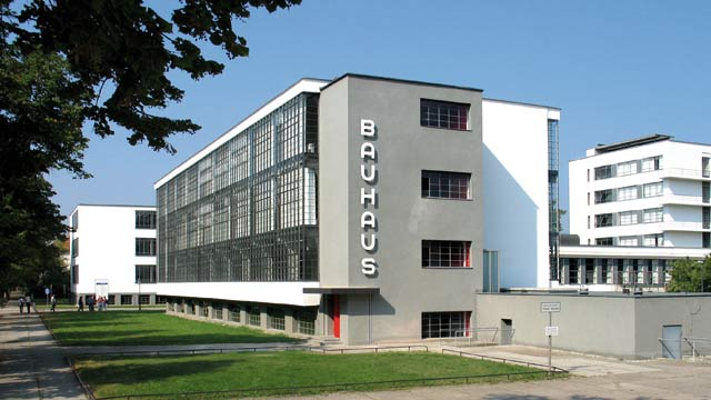 Stefano Barattini Novara celebra il centenario dell'Istituto di design Bauhaus con una mostra fotografica